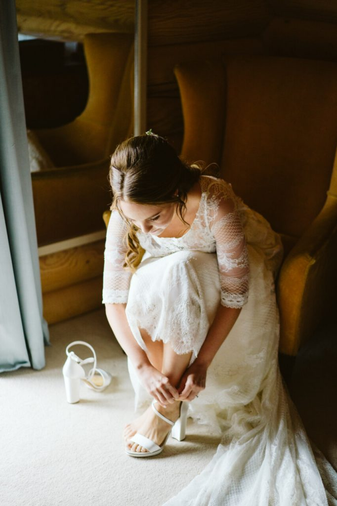 A wedding timeline will keep you on track whilst you are getting ready before the ceremony